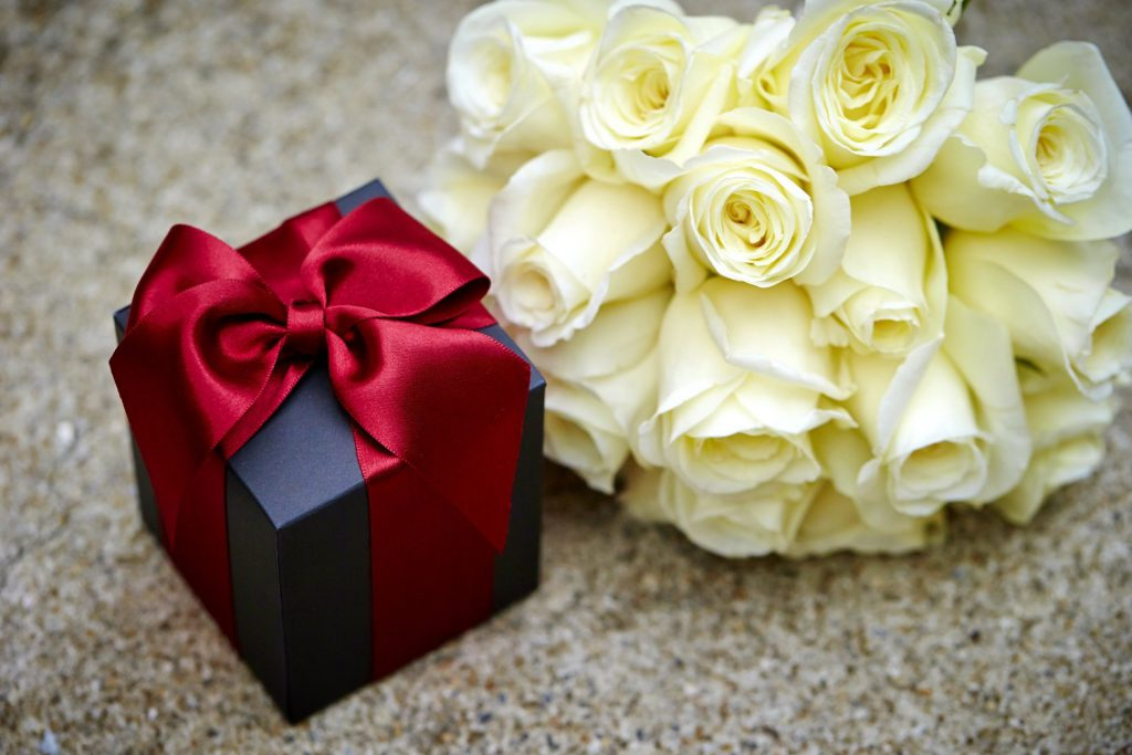 Flower Pairings with Wonderful Gifts… Have you Ever Tried?