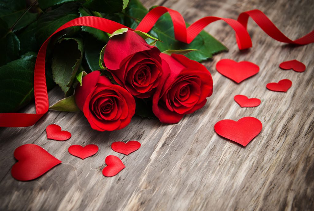 These 5 Romantic Rose Valentine Gifts are True Epitome of Love!
