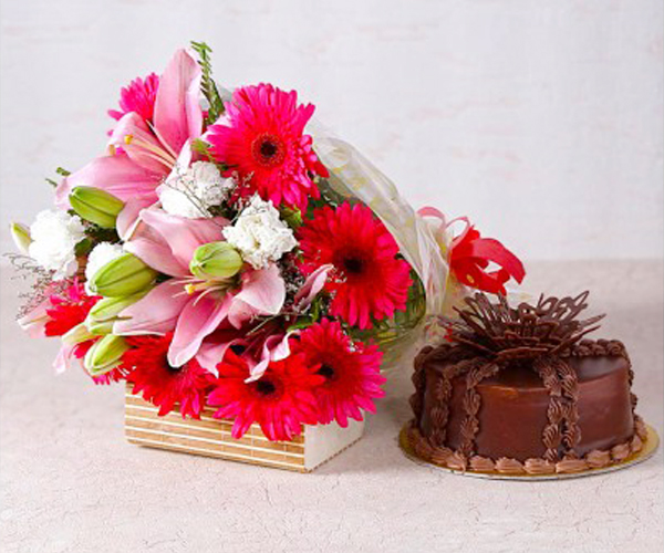 Creamy Cakes and Flowers
