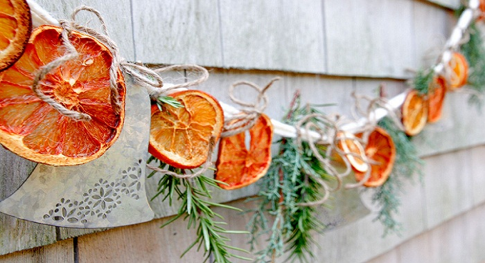 Citrus garlands for decoration