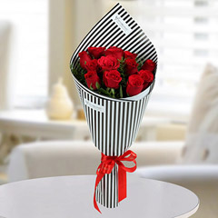 12 Love Red Roses Bunch