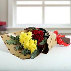 10 Romantic Roses Bunch
