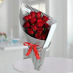 15 Romantic Roses Bunch