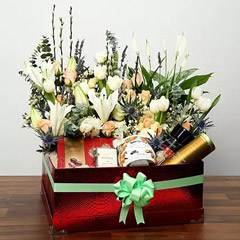 Cookies and Flowers Hamper For Mom