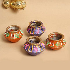 Decorative Matka Diyas 4 Pieces