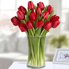 Red Tulip Arrangement Deluxe