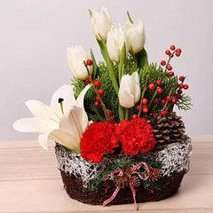 Elegant Christmas Flower Arrangement