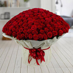 400 Red Roses Arrangement
