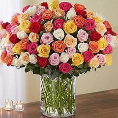 Bunch of 100 Mixed Roses In Glass Vase