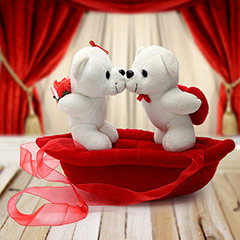 Romantic Teddies