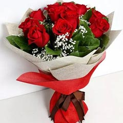 Bunch Of Ravishing Red Roses