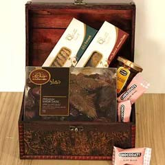 Classic Treasured Box Hamper
