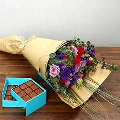 Purple and Pink Roses Bouquet With Chocolates