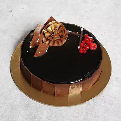 Yummy Glazed Al Cazar Cake (Half Kg)