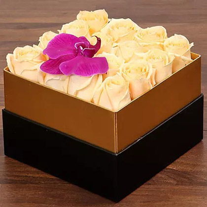 Beautiful Peach Rose Box